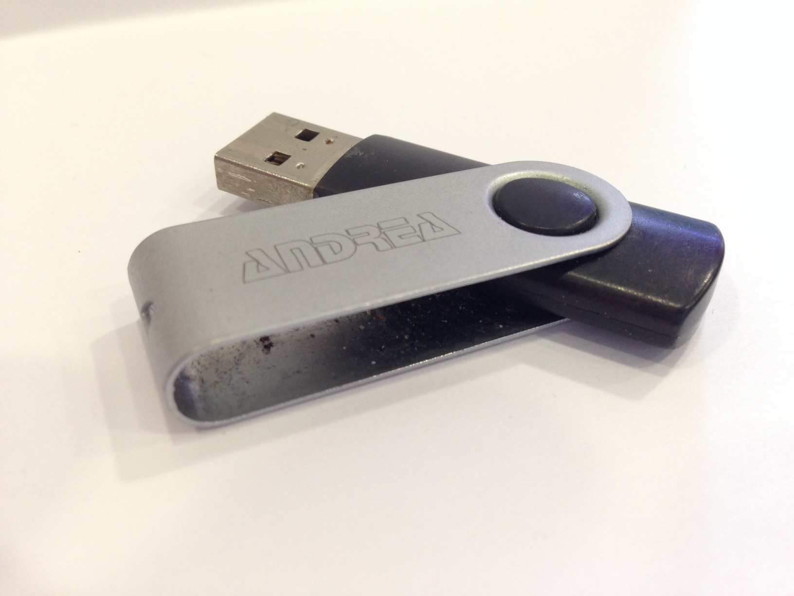 Memoria USB con incisione
